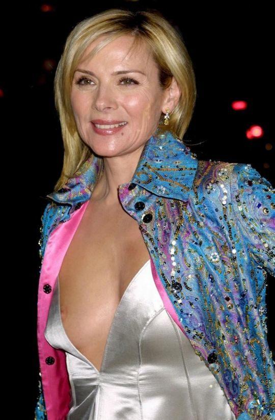 【プロ根性】超大金持ちのハリウッドセレブ女優、おっぱいポロリするまでが仕事でワロタwwwwwwwwww(画像30枚)・13枚目