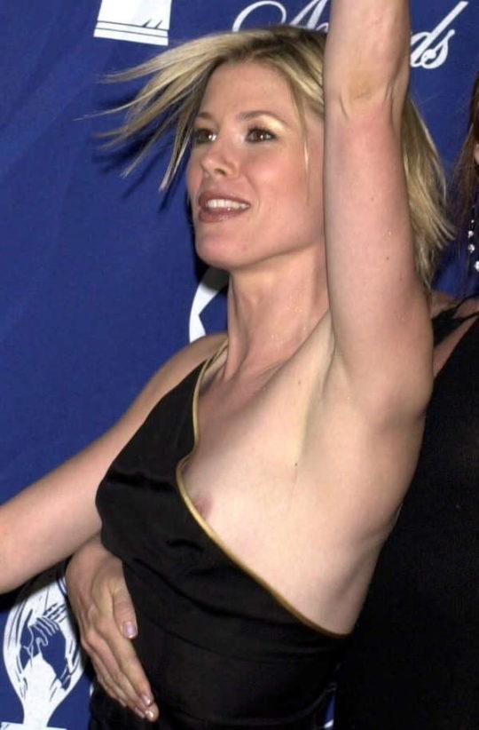 【プロ根性】超大金持ちのハリウッドセレブ女優、おっぱいポロリするまでが仕事でワロタwwwwwwwwww(画像30枚)・15枚目