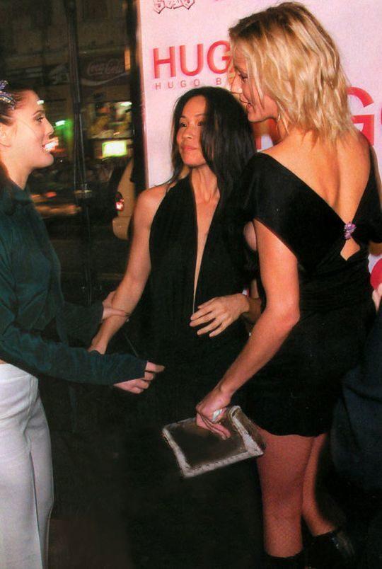【プロ根性】超大金持ちのハリウッドセレブ女優、おっぱいポロリするまでが仕事でワロタwwwwwwwwww(画像30枚)・24枚目