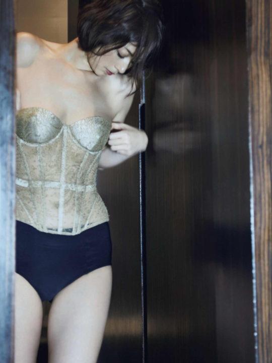 【萎んだ定期】高岡早紀(44)の凄過ぎる熟女おっぱい・・・この全盛期(画像あり)を堪能した保坂と布袋羨まし過ぎwwwwwwwwww・17枚目