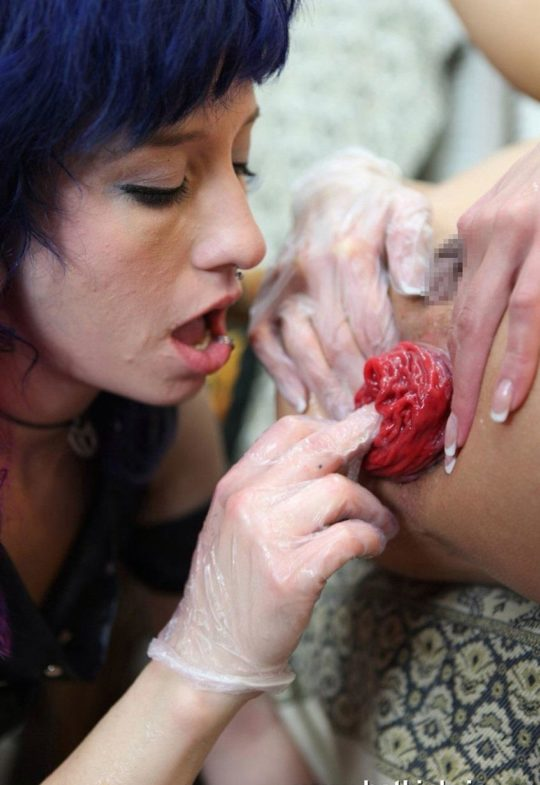 【閲覧注意】まんさん、限界まで肛門拡張してからイキんだ結果・・・・・うわぁぁ。。。(画像あり)・15枚目