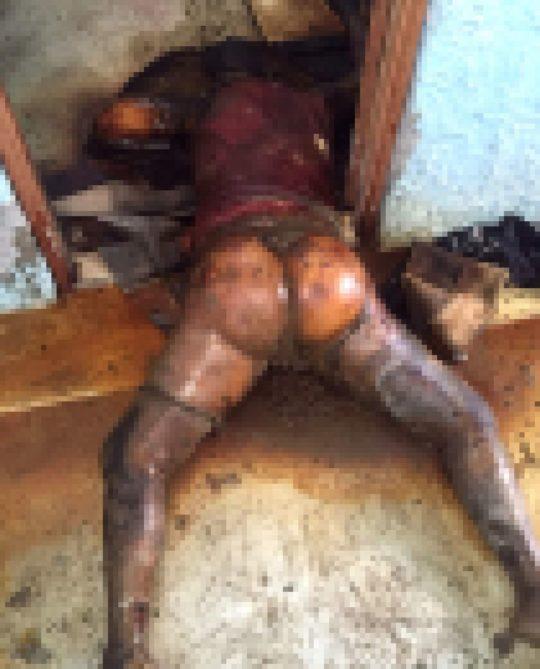 【フェイク無し・閲覧注意】レイプされてその辺に捨てられた外人女性の遺体画像集、、、一枚目から首が無くて泣いた。。。(画像あり)・6枚目