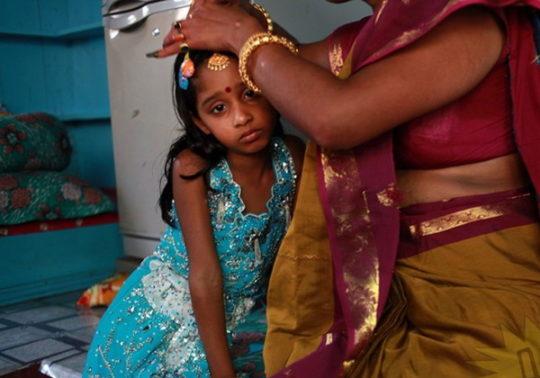 バングラデシュの売春宿の様子をご覧下さい。 ← 魂の抜けた子供多杉て泣いた。。(写真あり)