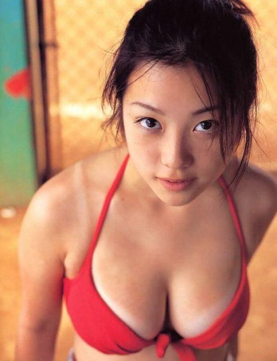 【悲報エロ画像】小向美奈子とかいう逮捕3回シャブエリートネキ、とんでもない体型になってたwwwwwwwww(画像あり)・14枚目