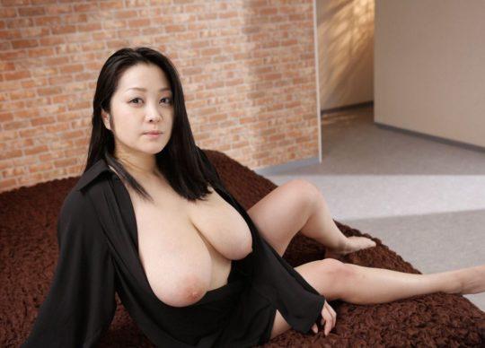 【悲報エロ画像】小向美奈子とかいう逮捕3回シャブエリートネキ、とんでもない体型になってたwwwwwwwww(画像あり)・22枚目