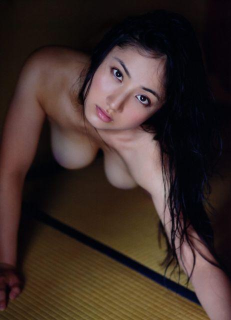 【おっぱいエロ画像】元Fカップ小学生紗綾さん、23歳女全盛期に超絶劣化wwwww(画像あり)・7枚目