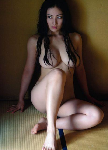 【おっぱいエロ画像】元Fカップ小学生紗綾さん、23歳女全盛期に超絶劣化wwwww(画像あり)・9枚目