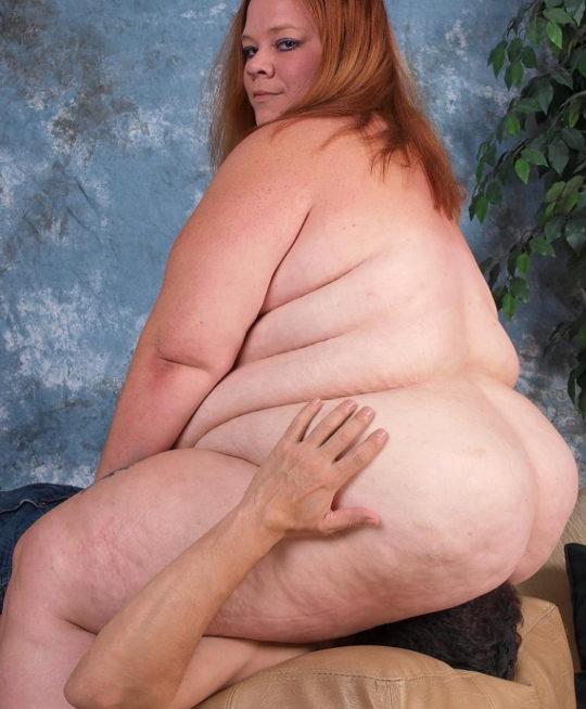 【エロ画像注意】デブで性欲強めな彼女にワイがヤラれてガチで死にかけたプレイ・・・・・(画像30枚)・12枚目