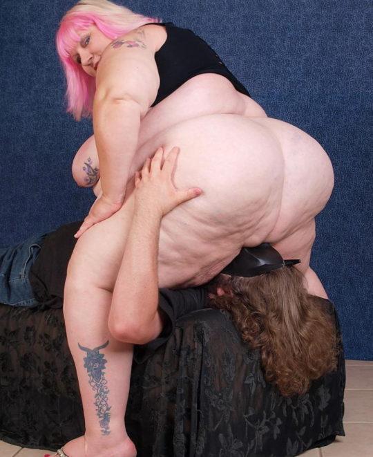 【エロ画像注意】デブで性欲強めな彼女にワイがヤラれてガチで死にかけたプレイ・・・・・(画像30枚)・13枚目