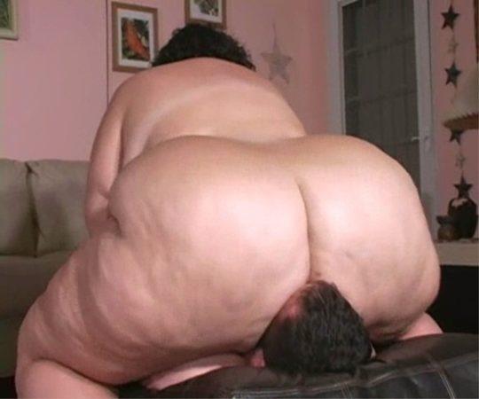 【エロ画像注意】デブで性欲強めな彼女にワイがヤラれてガチで死にかけたプレイ・・・・・(画像30枚)・21枚目