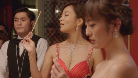 【夏菜おっぱい画像】ハケンのキャバ嬢・彩華、実は朝ドラ女優夏菜のおっぱいドラマだった件wwwwwww(画像あり)・20枚目