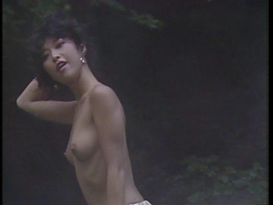 【温泉エロ】昔のドラマ。おっぱい丸出し女が若すぎて若干引くwwww(53枚)・27枚目