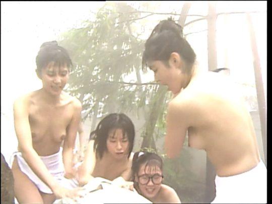 【温泉エロ】昔のドラマ。おっぱい丸出し女が若すぎて若干引くwwww(53枚)・35枚目