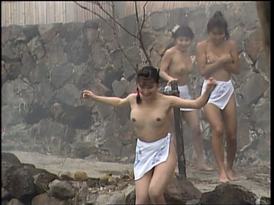 【温泉エロ】昔のドラマ。おっぱい丸出し女が若すぎて若干引くwwww(53枚)・41枚目