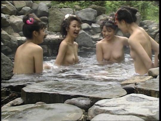 【温泉エロ】昔のドラマ。おっぱい丸出し女が若すぎて若干引くwwww(118枚)・115枚目