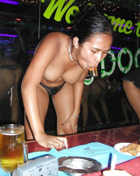 """【アジアエロ画像】タイの風俗""""ゴーゴーバー""""とかいう天国の様子を画像でご覧下さい。(画像あり)・9枚目"""
