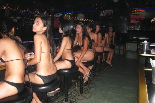 """【アジアエロ画像】タイの風俗""""ゴーゴーバー""""とかいう天国の様子を画像でご覧下さい。(画像あり)・18枚目"""