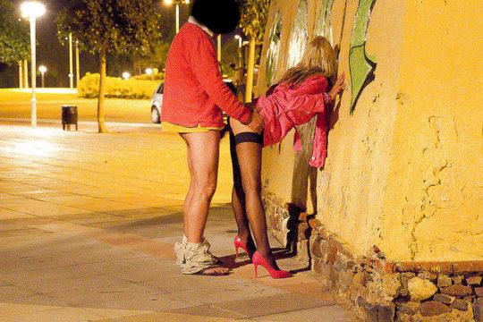 【売春エロ】3ドルでセックスできる売春婦。幼い娘からBBAまで・・・・(画像あり)・105枚目