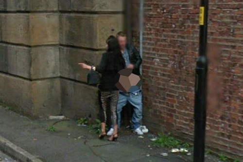 【売春婦エロ画像】外国の格安売春婦ネキ、数をこなす為にガンガン路上でやってて草wwwwwwwww(画像あり)・13枚目