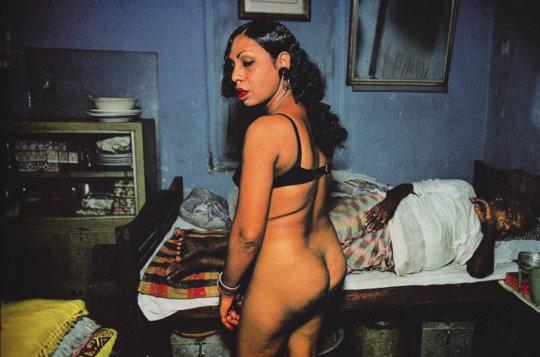 【売春エロ】3ドルでセックスできる売春婦。幼い娘からBBAまで・・・・(画像あり)・88枚目