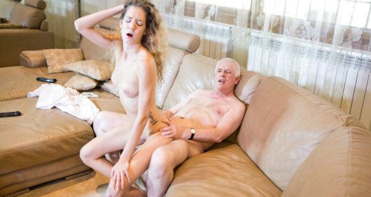 【年の差エロ画像】アメリカ勝ち組大富豪ジジイの嗜み、ゲス過ぎてもはや清々しいレベルwwwwwwwww(画像30枚)・8枚目