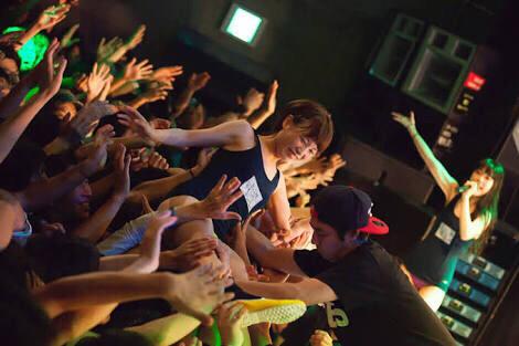 【地獄絵図】売れない地下アイドルのライブ風景がこちらwwwwwww(画像あり)・6枚目