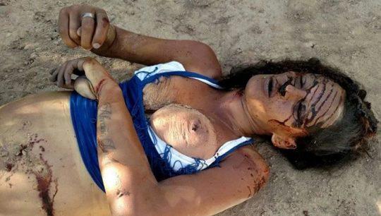 【閲覧注意】レイプされ殺害された外人まんさん、現場検証に来た警察官に最後の情けをかけられるorz(画像あり)・17枚目
