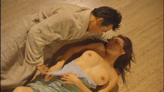 杉本彩さん(49)生乳おっぱいおっぱい揉まれまくり吸われまくりでワロタwwwwwwwww(画像、GIFあり)・11枚目