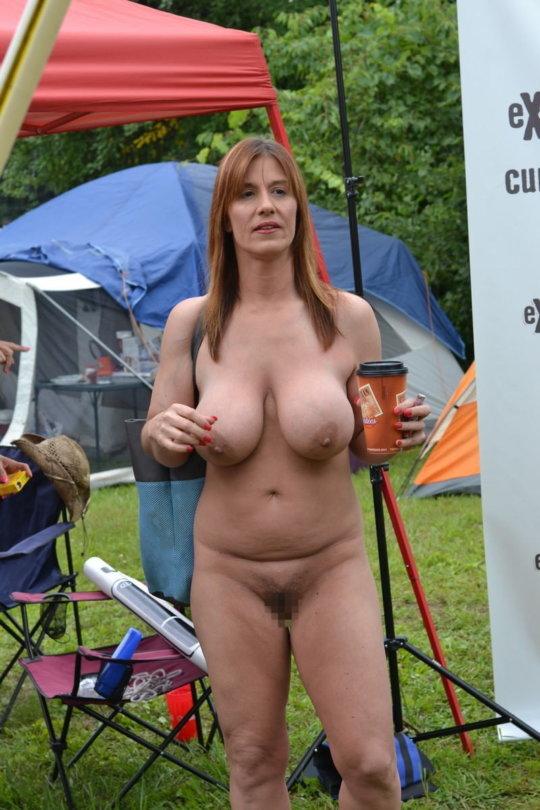 【母娘エロ画像】海外の裸族一家&母娘ヌード、こいつ等ガチで頭おかしくて草wwwwwwww(画像130枚)・8枚目