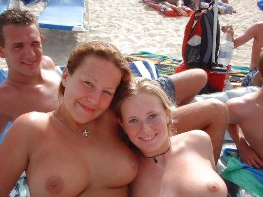 【母娘エロ画像】海外の裸族一家&母娘ヌード、こいつ等ガチで頭おかしくて草wwwwwwww(画像130枚)・70枚目