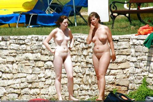 【母娘エロ画像】海外の裸族一家&母娘ヌード、こいつ等ガチで頭おかしくて草wwwwwwww(画像130枚)・83枚目