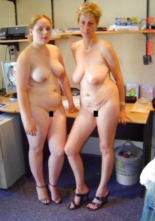【母娘エロ画像】海外の裸族一家&母娘ヌード、こいつ等ガチで頭おかしくて草wwwwwwww(画像130枚)・87枚目