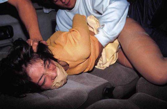 【輪姦エロ画像】ガチ系輪姦画像スレ「軽トラ最強伝説www」「扱い酷すぎ・・・」(画像30枚)・28枚目