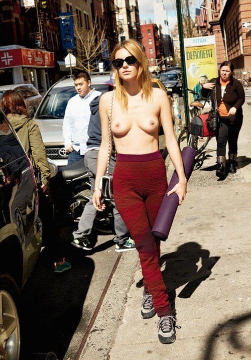 【朗報】欧州で「乳出しファッション」が流行の兆し、こいつ等もう何でもアリかよwwwwwwwwww(画像あり)・2枚目