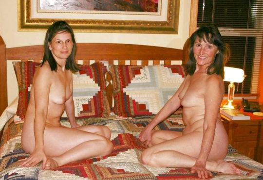 【母娘エロ画像】海外の裸族一家&母娘ヌード、こいつ等ガチで頭おかしくて草wwwwwwww(画像130枚)・101枚目