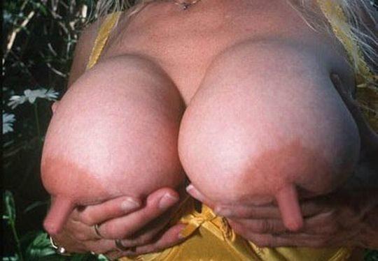 【デカ乳首エロ画像】妊婦のデカ乳首が好きなワイ将、外国人ガチ勢のサイズに絶句・・・(画像あり)・12枚目