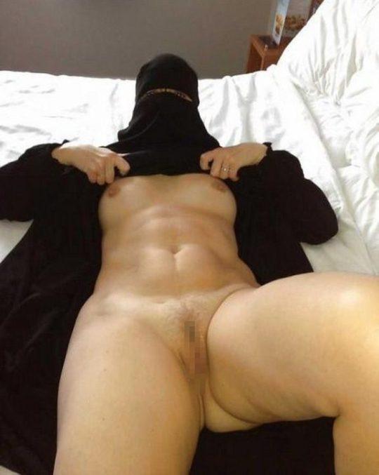 """【画像】イスラム民族衣装""""ヒジャブ""""とおっぱいの組み合わせが想像以上に凶悪wwwwww(画像30枚)・26枚目"""