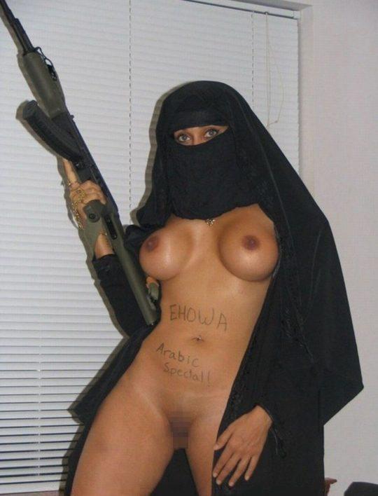 """【画像】イスラム民族衣装""""ヒジャブ""""とおっぱいの組み合わせが想像以上に凶悪wwwwww(画像30枚)・28枚目"""