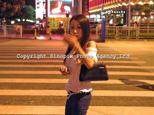 【※閲覧注意※】この美人さん(21)のヘロイン中毒後の写真、、、怖すぎだろこれ。。。(画像あり)