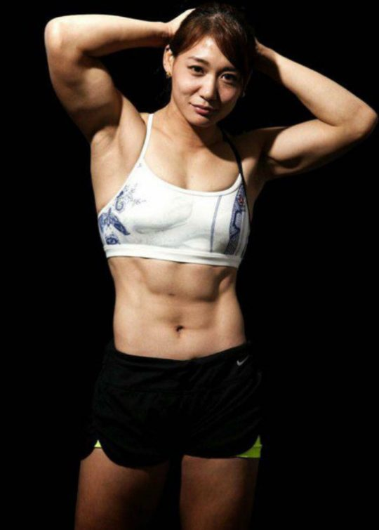 【画像】筋肉マニアのワイ将がお勧めぐうシコ筋肉女子で打線組んだwwwwwwwww(画像あり)・8枚目