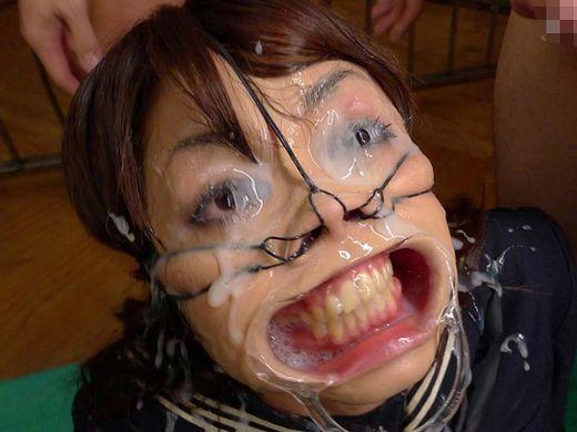 (地獄絵図)モデルさんに鼻フックした結果wwwwwwwwwwwwwwwwwwwwwwww(写真25枚)