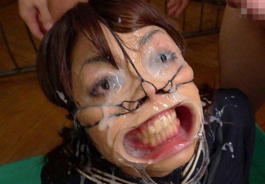 【地獄絵図】美人さんに鼻フックした結果wwwwwwwwwwww(画像25枚)・1枚目