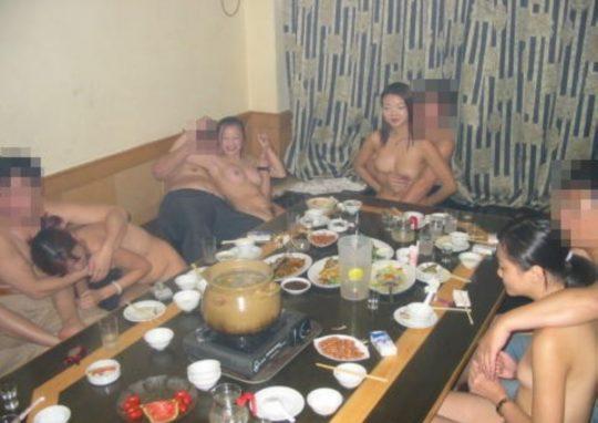 """【異文化】中国の風俗店""""カラオケテレビKTV""""内部の様子がコチラ、バブル時代の日本もこんな感じっだったのか。。(画像あり)・15枚目"""