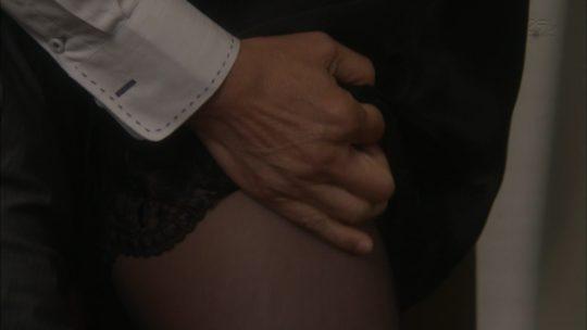※ 【15年遅い】一流女優藤原紀香(46)がとんでもない爆乳おっぱいを揉まれるwwwwwwwww(画像あり)・18枚目