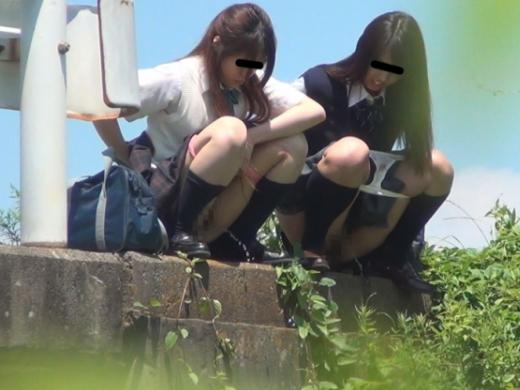 (※基地外※)「ねぇ、今日もヤル?」田舎の10代小娘が親友と競う遊びがコレwwwwwwwwwwwwwwwwwwwwwwwwww(写真あり)