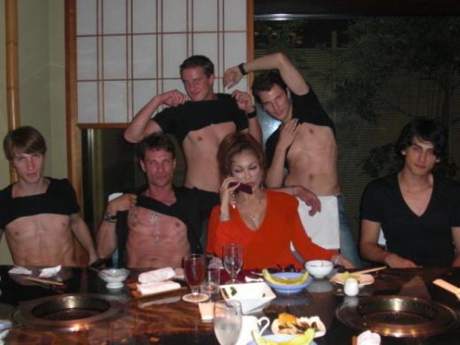(※朗報)叶恭子さん、イケメンガイとの大乱交前の写真が流出wwww ←ガチだった件wwwwwwwwwwwwwwwwww(写真あり)