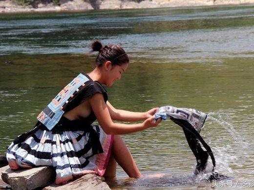 (撮り放題)横乳がクッソえろい中国の少数民族の衣装wwwwwwwwwwwwwwwwwwwwwwwwwwww(写真あり)