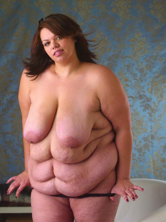 【閲覧注意】海外のポッチャリ女子(ガチ勢)の体型、死にかけててワロタwwwwwwww(画像あり)・3枚目
