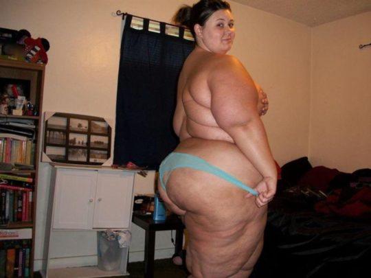 【閲覧注意】海外のポッチャリ女子(ガチ勢)の体型、死にかけててワロタwwwwwwww(画像あり)・6枚目
