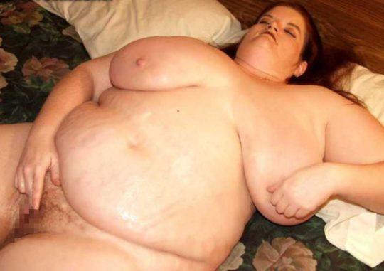 【閲覧注意】海外のポッチャリ女子(ガチ勢)の体型、死にかけててワロタwwwwwwww(画像あり)・18枚目